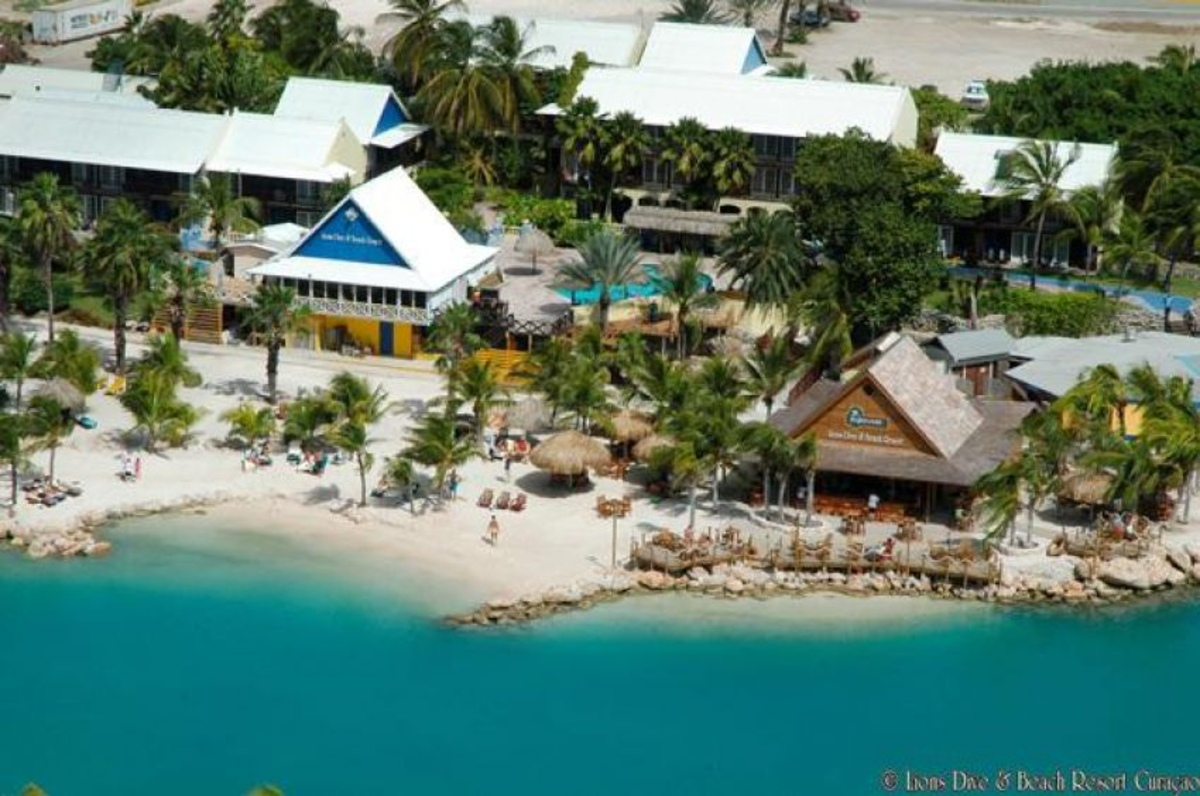 Horecawerk cura ao beachclubs hemingway beachclub - Sanom beach dive resort ...